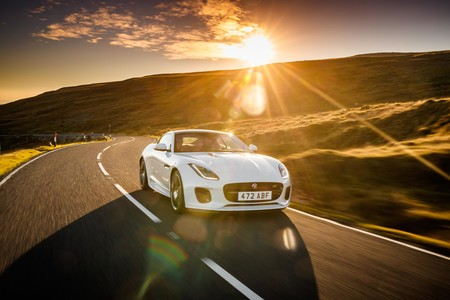 Jaguar F-Type Checkered Flag Edition se une a la alineación 2019 de deportivos ingleses