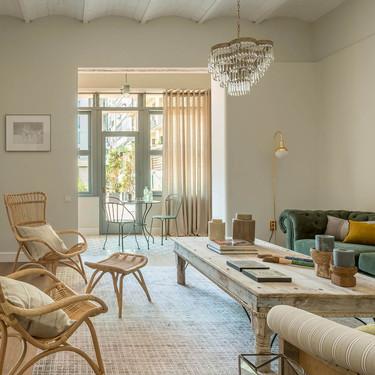 Un piso en Mallorca con una decoración equilibrada que mezcla piezas clásicas y contemporáneas con un estilo fresco al mismo tiempo