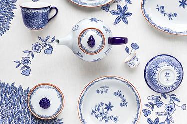Vajilla Ostindia Floris de Röstrand para soñar en la mesa