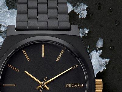 El reloj Nixon más vendido de todos los tiempos: ahora en oro y negro