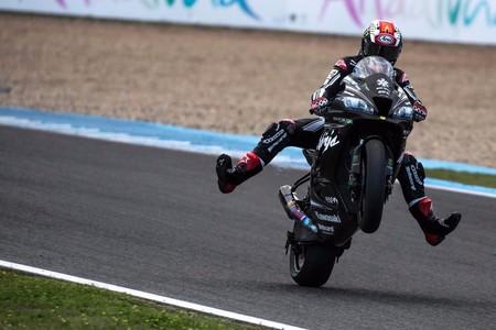 Jonathan Rea y su Kawasaki dejan en evidencia a las MotoGP