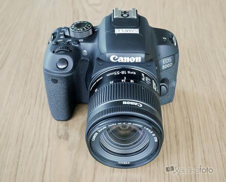 Cámara réflex Canon EOS 800D por sólo 557,60 euros con este cupón de descuento