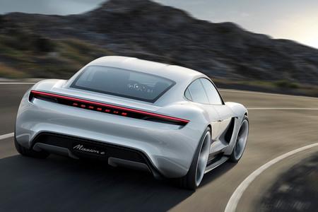 Este año conoceremos el Porsche Mission E, el eléctrico que busca quitarle toda la gloria al Tesla Model S