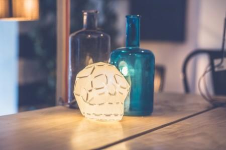 Edmond, así se llama la lámpara que en Halloween les dará a tus invitados un buen susto