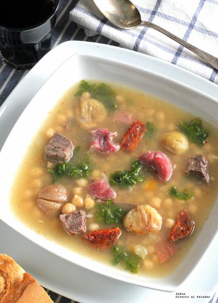 Cocido gallego con garbanzos, castañas y kale. Receta reconfortante de otoño