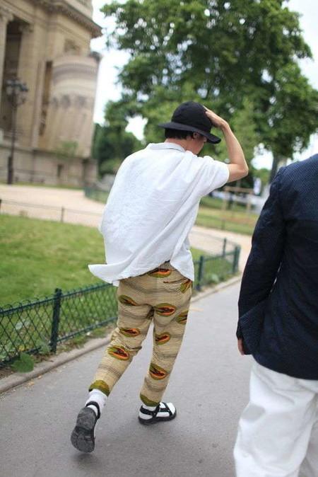 El Combo De Chanclas Y Calcetines Conforman Los Mejores Looks Del Street Style De La Semana 06