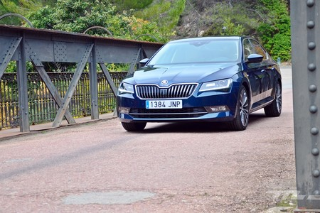 Skoda Superb 2 0 Tdi 150 L K 078