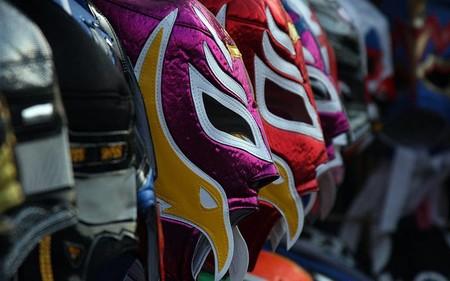 Tenis, vinilos y hasta dibujos han sido los artículos más exportados de México durante la cuarentena en eBay