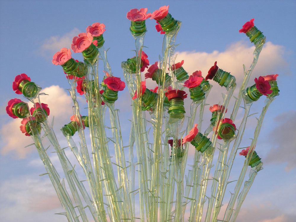 Foto de Plantas artificiales hechas con botellas de plástico (1/7)