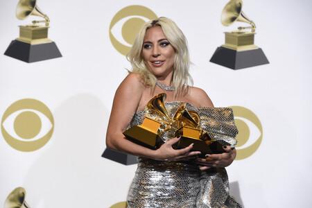 mujeres cantantes con mas premios grammy
