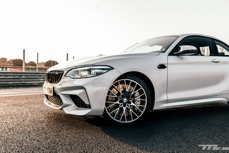 BMW M2 Competition frontal lateral