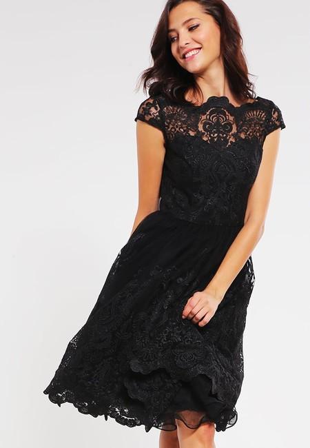 40% de descuento en el vestido Matilda  de Chi Chi London en Zalando: ahora cuesta 53,95 euros con envío gratis