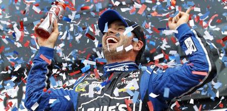 Jimmie Johnson comienza el año a lo grande venciendo en la Daytona 500