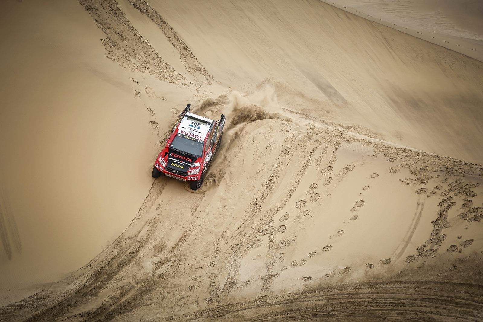 Foto de Toyota Hilux 2016 Namibia (24/74)