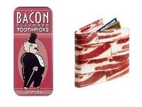 Baconchaladuras, palillos con sabor a bacon y cartera imitación