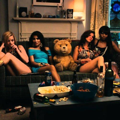 'Ted',tráilerespañol,clips,entrevistasycartelesdelapelículadelcreadorde'Padredefamilia'