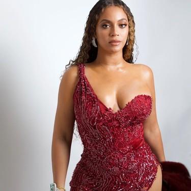 Beyoncé nos enseña cómo ser la invitada (curvy) perfecta