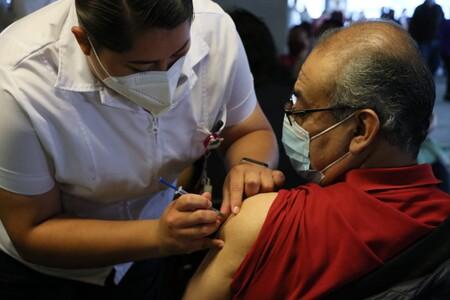 La vacunación contra COVID-19 de adultos de 40 a 49 años en México comenzará en junio: el registro ya está abierto
