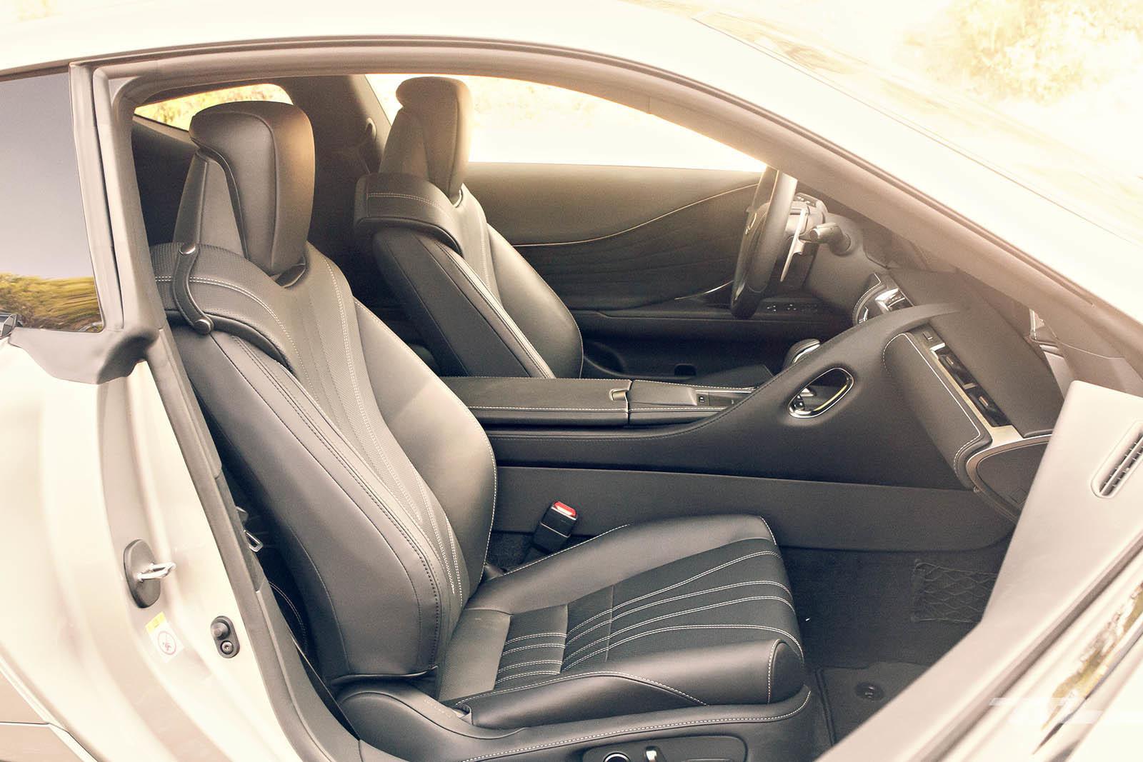 Foto de Lexus LC 500 (39/40)