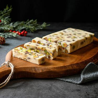Receta de turrón de queso camembert y frutos secos, el trampantojo navideño con que sorprender en el aperitivo