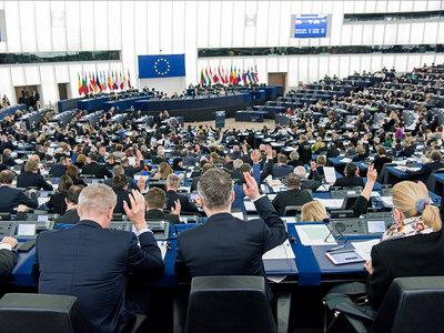 Bruselas quiere un cortafuegos para fondos y depósitos europeos