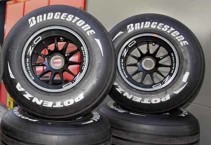 Los neumáticos 'slick' volverán en los test de Jerez