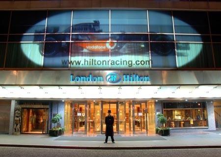 El McLaren MP4-22 en el Hotel Hilton de Londres