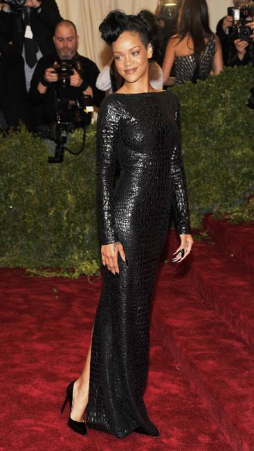 Rihanna met 2012