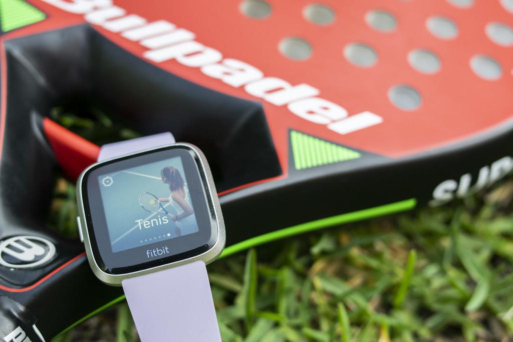 Google está en dialogaciones para comprar Fitbit, según Reuters