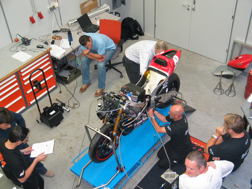 Foto de Proton KR KTM 2005 (8/24)
