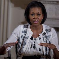 ¿Te gustaría que Michelle Obama hablara en tu fiesta? Esto es lo que tendrás que pagarle por hacerlo