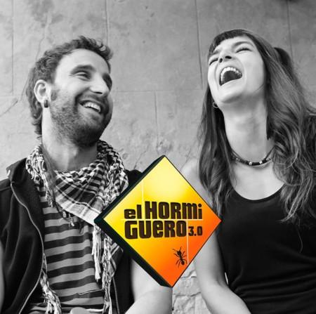 A Clara Lago y Dani Rovira les caen por todos lados tras salir en El Hormiguero