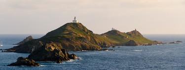 Las Islas Sanguinarias en Córcega: pintando de rojo el atardecer
