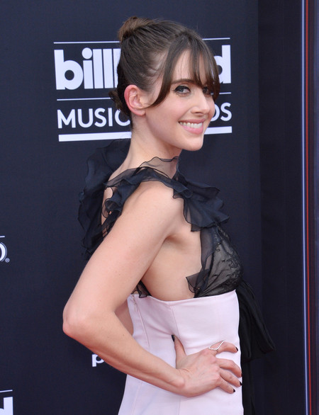 Billboard Awards Alison Brie