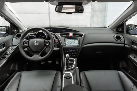 Honda Civic Tourer - interior