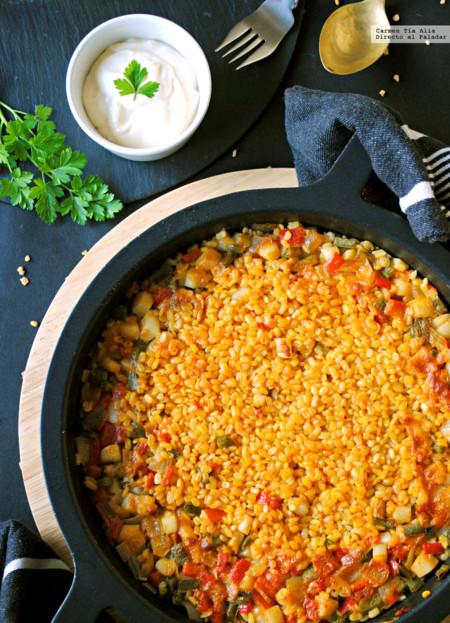 Lentejas amarillas con sepia y verduras. Receta saludable