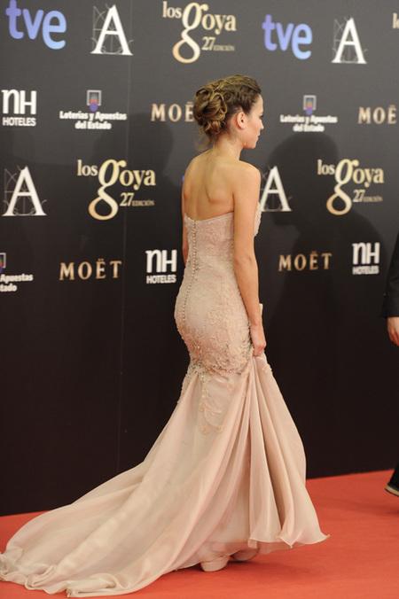 goya-2013-espalda-vestidos-Ana Fernandez