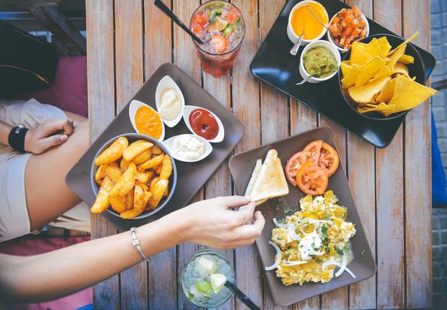 Saciedad sensoroespecífica, la razón por la que podemos seguir comiendo aun cuando estamos llenos