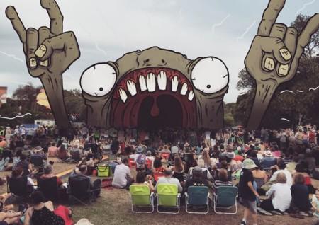 Definitivo, el mundo es más divertido cuando estamos rodeados de monstruos