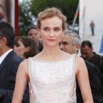 La alfombra roja del Festival de Venecia se rinde ante una Diane Kruger de blanco impoluto