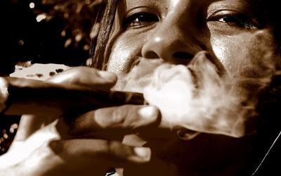 ¿Fumar puros es mas sano que fumar cigarrillos?