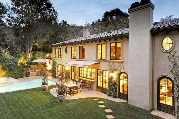 Foto de las casas de los famosos kim kardashian 2 13 for Decoracion casa kim kardashian