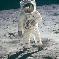 Trump firma la orden para que la NASA regrese a la Luna en una misión tripulada tras 45 años