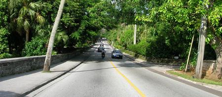 Las Islas Caimán y las Bermudas también promueven la llegada del vehículo eléctrico