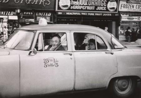 Diane arbus: in the beginning, una exposición histórica con fotos inéditas del inicio de su carrera