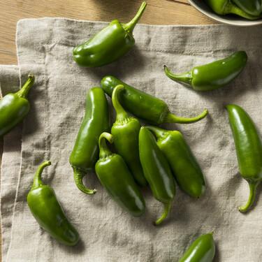 Chile jalapeño, el más versátil de los pimientos picantes: qué es, cómo se cocina y en qué recetas sacarle partido