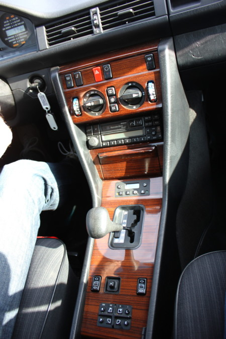 Mercedes Benz 300e 245