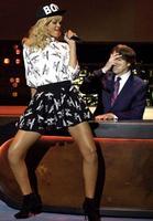 ¿Rihanna liada con Ashton Kutcher?, ¿pero qué invento es esto?
