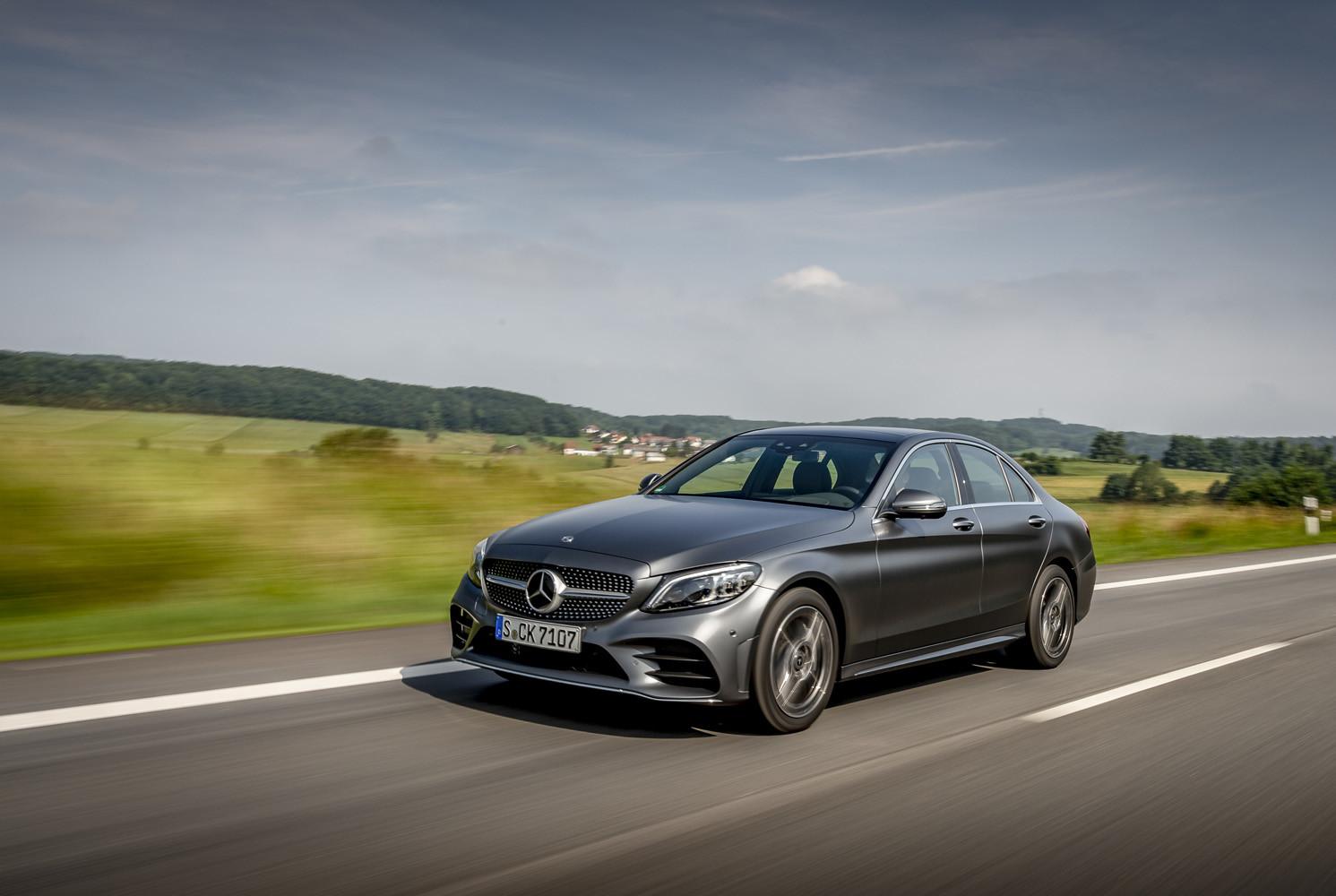 Foto de Mercedes-Benz Clase C 2018, toma de contacto (92/255)