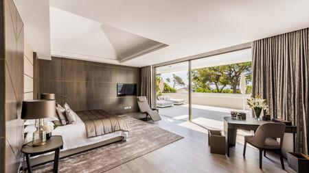 Lujo de estilo contemporáneo, con sala de cine y spa, en una vivienda de seis dormitorios: villa La Herradura